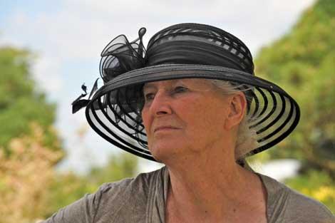 Rosadora - Portrait mit Hut